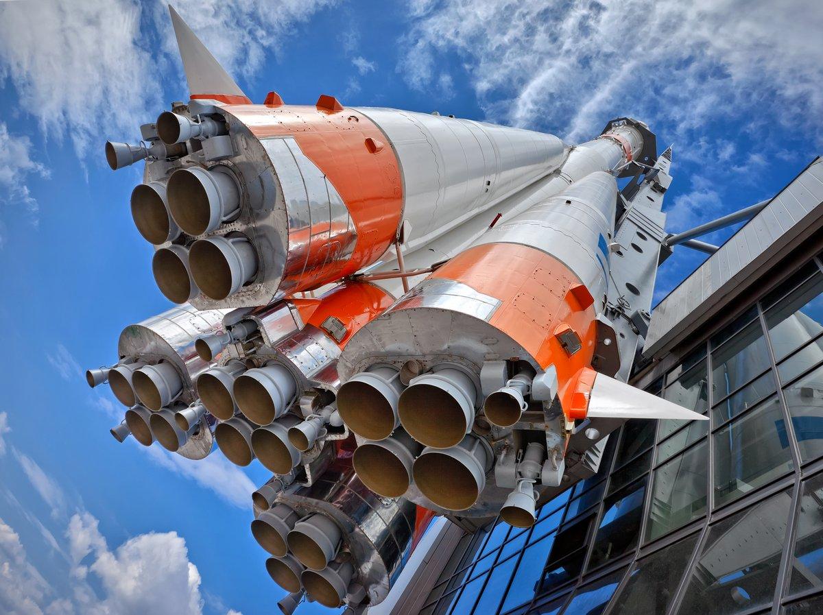 Постер Космос - разные постеры Российской космической транспортной ракетеКосмос - разные постеры<br>Постер на холсте или бумаге. Любого нужного вам размера. В раме или без. Подвес в комплекте. Трехслойная надежная упаковка. Доставим в любую точку России. Вам осталось только повесить картину на стену!<br>