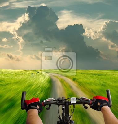 Постер Велосипедисты Человек с велосипедной прогулки дорог страныВелосипедисты<br>Постер на холсте или бумаге. Любого нужного вам размера. В раме или без. Подвес в комплекте. Трехслойная надежная упаковка. Доставим в любую точку России. Вам осталось только повесить картину на стену!<br>