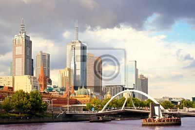 Постер Мельбурн Красивый вид на Мельбурн-город на закатеМельбурн<br>Постер на холсте или бумаге. Любого нужного вам размера. В раме или без. Подвес в комплекте. Трехслойная надежная упаковка. Доставим в любую точку России. Вам осталось только повесить картину на стену!<br>