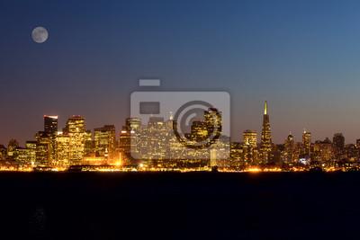 Постер Сан-Франциско Сан-Франциско ночью, Калифорния, СШАСан-Франциско<br>Постер на холсте или бумаге. Любого нужного вам размера. В раме или без. Подвес в комплекте. Трехслойная надежная упаковка. Доставим в любую точку России. Вам осталось только повесить картину на стену!<br>