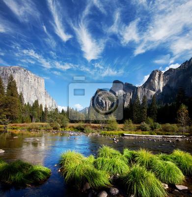 Постер США YosemiteСША<br>Постер на холсте или бумаге. Любого нужного вам размера. В раме или без. Подвес в комплекте. Трехслойная надежная упаковка. Доставим в любую точку России. Вам осталось только повесить картину на стену!<br>