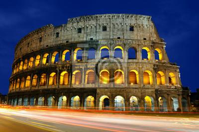 Постер Рим Колизей в Риме в сумеркахРим<br>Постер на холсте или бумаге. Любого нужного вам размера. В раме или без. Подвес в комплекте. Трехслойная надежная упаковка. Доставим в любую точку России. Вам осталось только повесить картину на стену!<br>