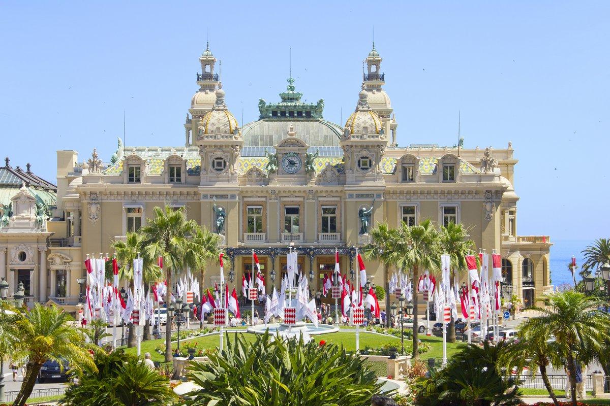 Постер Монако Монте-Карло, номера для королевской свадьбы, МонакоМонако<br>Постер на холсте или бумаге. Любого нужного вам размера. В раме или без. Подвес в комплекте. Трехслойная надежная упаковка. Доставим в любую точку России. Вам осталось только повесить картину на стену!<br>