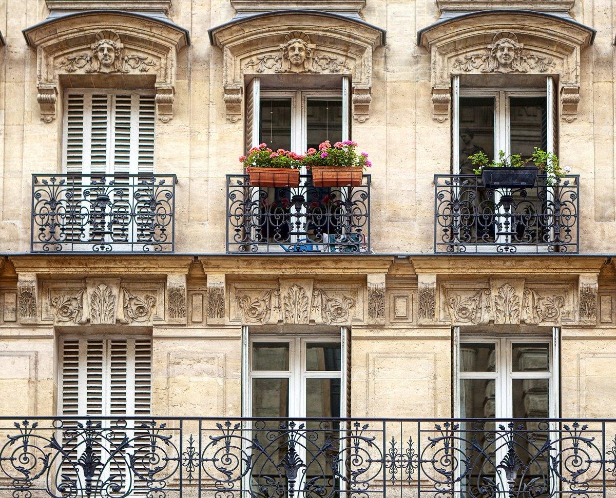 Постер Париж БалконыПариж<br>Постер на холсте или бумаге. Любого нужного вам размера. В раме или без. Подвес в комплекте. Трехслойная надежная упаковка. Доставим в любую точку России. Вам осталось только повесить картину на стену!<br>