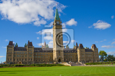 Постер Оттава Парламент Канады, Оттава, ОнтариоОттава<br>Постер на холсте или бумаге. Любого нужного вам размера. В раме или без. Подвес в комплекте. Трехслойная надежная упаковка. Доставим в любую точку России. Вам осталось только повесить картину на стену!<br>