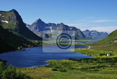 Постер Норвегия Постер 34321775, 30x20 см, на бумагеНорвегия<br>Постер на холсте или бумаге. Любого нужного вам размера. В раме или без. Подвес в комплекте. Трехслойная надежная упаковка. Доставим в любую точку России. Вам осталось только повесить картину на стену!<br>