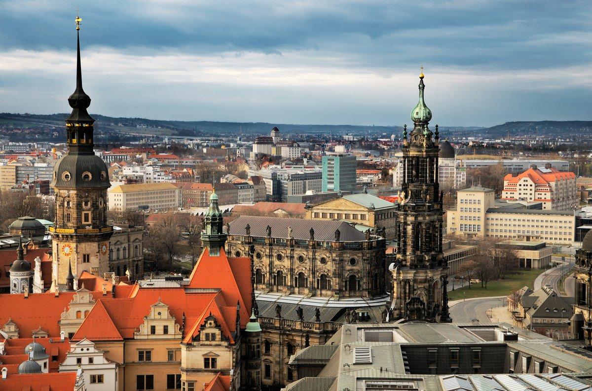 Постер Дрезден Вид с воздуха Дрезден, ГерманияДрезден<br>Постер на холсте или бумаге. Любого нужного вам размера. В раме или без. Подвес в комплекте. Трехслойная надежная упаковка. Доставим в любую точку России. Вам осталось только повесить картину на стену!<br>