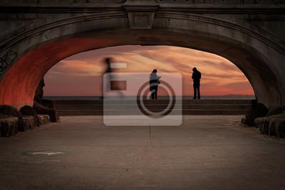 Постер Мельбурн Стороны пляжа мост закатМельбурн<br>Постер на холсте или бумаге. Любого нужного вам размера. В раме или без. Подвес в комплекте. Трехслойная надежная упаковка. Доставим в любую точку России. Вам осталось только повесить картину на стену!<br>