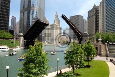 Постер Чикаго Чикаго, ИллинойсЧикаго<br>Постер на холсте или бумаге. Любого нужного вам размера. В раме или без. Подвес в комплекте. Трехслойная надежная упаковка. Доставим в любую точку России. Вам осталось только повесить картину на стену!<br>