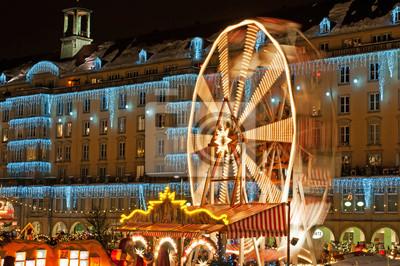 Постер Дрезден Рождественский Рынок в ДрезденеДрезден<br>Постер на холсте или бумаге. Любого нужного вам размера. В раме или без. Подвес в комплекте. Трехслойная надежная упаковка. Доставим в любую точку России. Вам осталось только повесить картину на стену!<br>