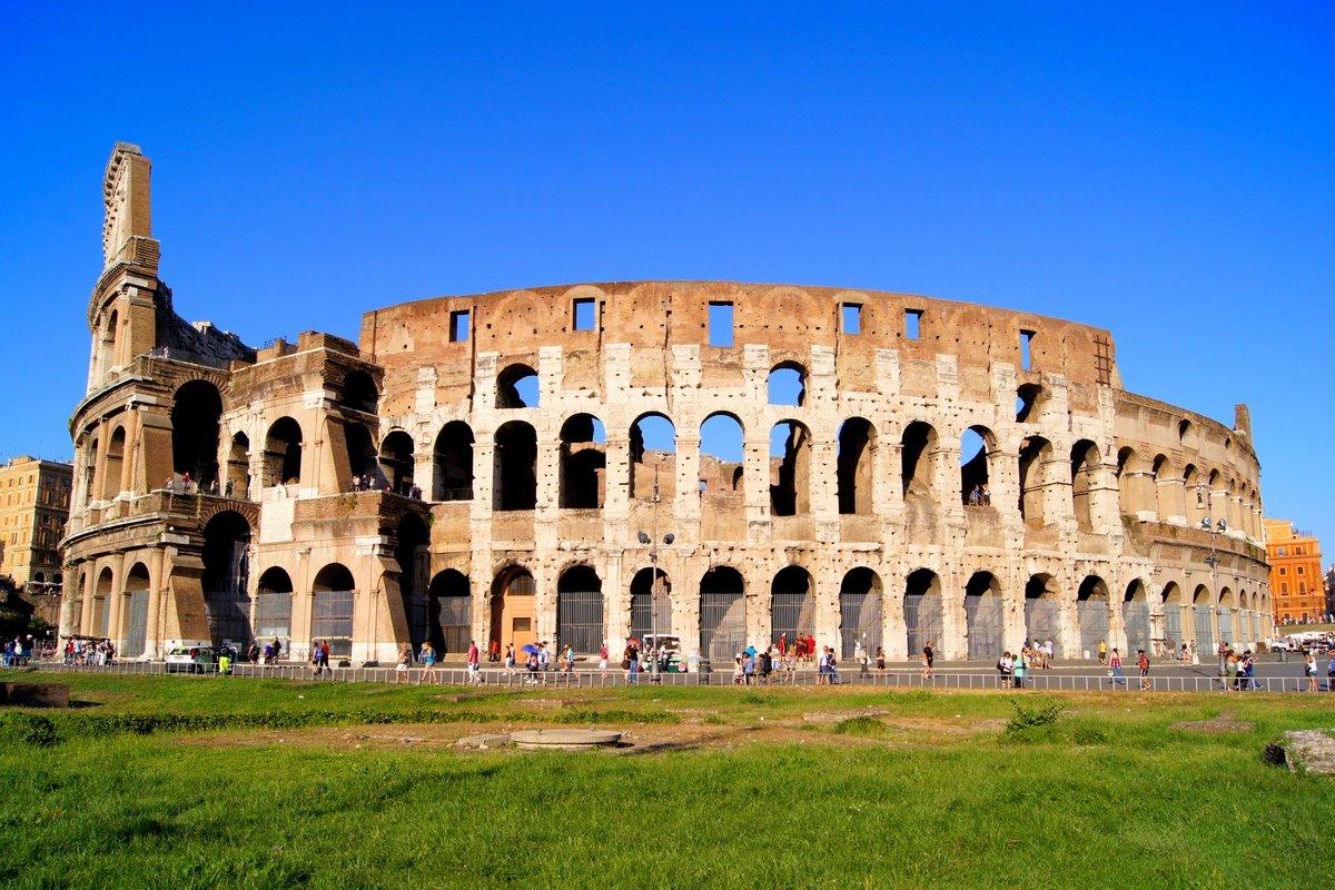 Постер Рим Знаменитый символ Рима, КолизейРим<br>Постер на холсте или бумаге. Любого нужного вам размера. В раме или без. Подвес в комплекте. Трехслойная надежная упаковка. Доставим в любую точку России. Вам осталось только повесить картину на стену!<br>