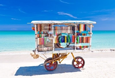 Постер Куба Телега продажи типичные сувениры на кубинской пляже ВарадероКуба<br>Постер на холсте или бумаге. Любого нужного вам размера. В раме или без. Подвес в комплекте. Трехслойная надежная упаковка. Доставим в любую точку России. Вам осталось только повесить картину на стену!<br>