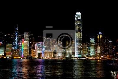 Постер Гонконг Вид на ночной Гонконг через пролив ВикторияГонконг<br>Постер на холсте или бумаге. Любого нужного вам размера. В раме или без. Подвес в комплекте. Трехслойная надежная упаковка. Доставим в любую точку России. Вам осталось только повесить картину на стену!<br>