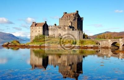 Постер Шотландия Eilean Donan Castle, Высокогорье, ШотландияШотландия<br>Постер на холсте или бумаге. Любого нужного вам размера. В раме или без. Подвес в комплекте. Трехслойная надежная упаковка. Доставим в любую точку России. Вам осталось только повесить картину на стену!<br>