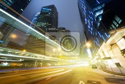 Постер Гонконг Трафик в Гонконге на ночьГонконг<br>Постер на холсте или бумаге. Любого нужного вам размера. В раме или без. Подвес в комплекте. Трехслойная надежная упаковка. Доставим в любую точку России. Вам осталось только повесить картину на стену!<br>