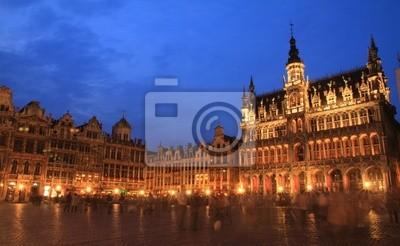 Постер Брюссель Grand Palace ночьюБрюссель<br>Постер на холсте или бумаге. Любого нужного вам размера. В раме или без. Подвес в комплекте. Трехслойная надежная упаковка. Доставим в любую точку России. Вам осталось только повесить картину на стену!<br>