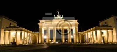 Постер Берлин БРАНДЕНБУРГСКИЕ ВОРОТА, Берлин, ГерманияБерлин<br>Постер на холсте или бумаге. Любого нужного вам размера. В раме или без. Подвес в комплекте. Трехслойная надежная упаковка. Доставим в любую точку России. Вам осталось только повесить картину на стену!<br>
