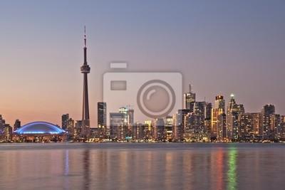 Постер Торонто Торонто ночь skyline CN Tower центре города небоскребы, закат CanadТоронто<br>Постер на холсте или бумаге. Любого нужного вам размера. В раме или без. Подвес в комплекте. Трехслойная надежная упаковка. Доставим в любую точку России. Вам осталось только повесить картину на стену!<br>
