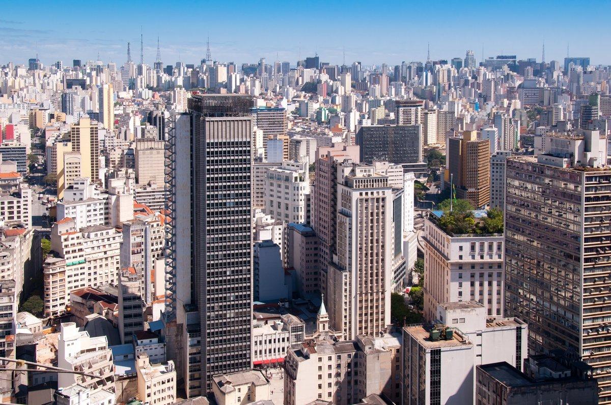 Постер Бразилия Город Сан-ПаулуБразилия<br>Постер на холсте или бумаге. Любого нужного вам размера. В раме или без. Подвес в комплекте. Трехслойная надежная упаковка. Доставим в любую точку России. Вам осталось только повесить картину на стену!<br>