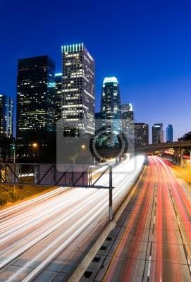 Постер Лос-Анджелес Трафик через Лос-Анджелес ночьюЛос-Анджелес<br>Постер на холсте или бумаге. Любого нужного вам размера. В раме или без. Подвес в комплекте. Трехслойная надежная упаковка. Доставим в любую точку России. Вам осталось только повесить картину на стену!<br>
