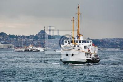 Постер Стамбул Пассажирские корабли в заливе золотой Рог, СтамбулСтамбул<br>Постер на холсте или бумаге. Любого нужного вам размера. В раме или без. Подвес в комплекте. Трехслойная надежная упаковка. Доставим в любую точку России. Вам осталось только повесить картину на стену!<br>
