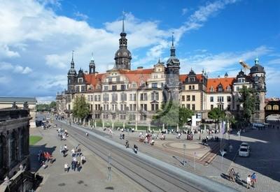 Постер Дрезден Дрезденский Замок, ГерманияДрезден<br>Постер на холсте или бумаге. Любого нужного вам размера. В раме или без. Подвес в комплекте. Трехслойная надежная упаковка. Доставим в любую точку России. Вам осталось только повесить картину на стену!<br>