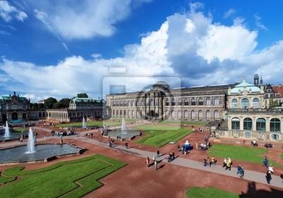 Постер Дрезден Этот дворец Цвингер в Дрездене, ГерманияДрезден<br>Постер на холсте или бумаге. Любого нужного вам размера. В раме или без. Подвес в комплекте. Трехслойная надежная упаковка. Доставим в любую точку России. Вам осталось только повесить картину на стену!<br>