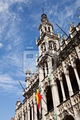 Постер Брюссель Царский Дом в Grand Place в Брюсселе, БельгияБрюссель<br>Постер на холсте или бумаге. Любого нужного вам размера. В раме или без. Подвес в комплекте. Трехслойная надежная упаковка. Доставим в любую точку России. Вам осталось только повесить картину на стену!<br>