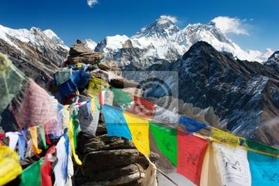 Постер Непал Вид на Эверест с gokyo riНепал<br>Постер на холсте или бумаге. Любого нужного вам размера. В раме или без. Подвес в комплекте. Трехслойная надежная упаковка. Доставим в любую точку России. Вам осталось только повесить картину на стену!<br>