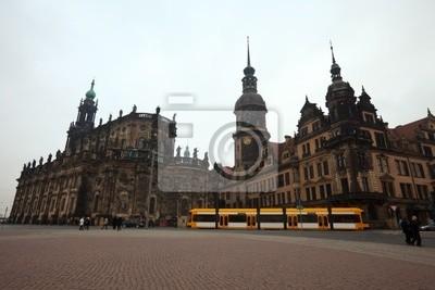 Постер Дрезден Вид на Дрезден, ГерманияДрезден<br>Постер на холсте или бумаге. Любого нужного вам размера. В раме или без. Подвес в комплекте. Трехслойная надежная упаковка. Доставим в любую точку России. Вам осталось только повесить картину на стену!<br>