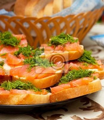 Постер Еда и напитки Бутерброды с Красной рыбой, 20x23 см, на бумагеРыба, Морепродукты<br>Постер на холсте или бумаге. Любого нужного вам размера. В раме или без. Подвес в комплекте. Трехслойная надежная упаковка. Доставим в любую точку России. Вам осталось только повесить картину на стену!<br>