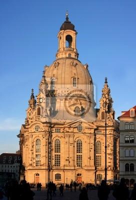 Постер Дрезден Фрауенкирхе в ДрезденеДрезден<br>Постер на холсте или бумаге. Любого нужного вам размера. В раме или без. Подвес в комплекте. Трехслойная надежная упаковка. Доставим в любую точку России. Вам осталось только повесить картину на стену!<br>