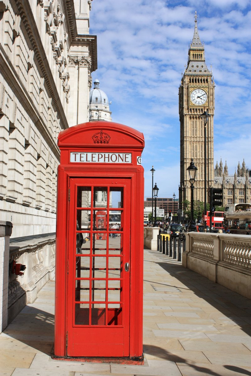 Постер Лондон Лондон Красные Телефонные БудкиЛондон<br>Постер на холсте или бумаге. Любого нужного вам размера. В раме или без. Подвес в комплекте. Трехслойная надежная упаковка. Доставим в любую точку России. Вам осталось только повесить картину на стену!<br>