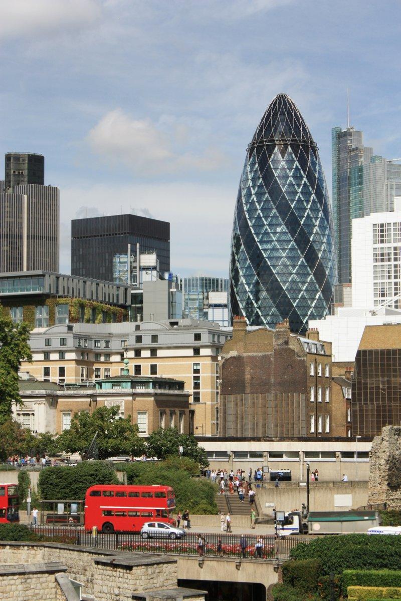 Постер Лондон Лондонский Тауэр и Башня Мэри-ЭксЛондон<br>Постер на холсте или бумаге. Любого нужного вам размера. В раме или без. Подвес в комплекте. Трехслойная надежная упаковка. Доставим в любую точку России. Вам осталось только повесить картину на стену!<br>