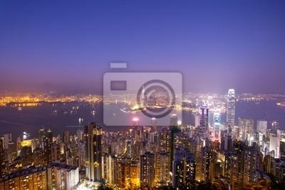 Постер Гонконг Ночная сцена из ГонконгаГонконг<br>Постер на холсте или бумаге. Любого нужного вам размера. В раме или без. Подвес в комплекте. Трехслойная надежная упаковка. Доставим в любую точку России. Вам осталось только повесить картину на стену!<br>