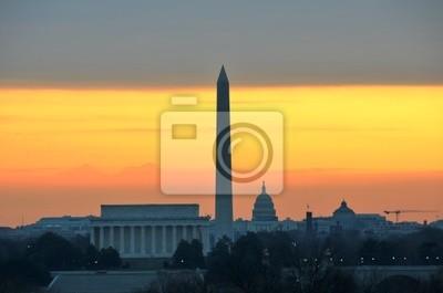 Постер Вашингтон Вашингтон - Памятников и Капитолий, на восходе солнцаВашингтон<br>Постер на холсте или бумаге. Любого нужного вам размера. В раме или без. Подвес в комплекте. Трехслойная надежная упаковка. Доставим в любую точку России. Вам осталось только повесить картину на стену!<br>