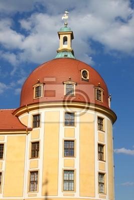 Постер Дрезден Башня морицбургской ЗамокДрезден<br>Постер на холсте или бумаге. Любого нужного вам размера. В раме или без. Подвес в комплекте. Трехслойная надежная упаковка. Доставим в любую точку России. Вам осталось только повесить картину на стену!<br>