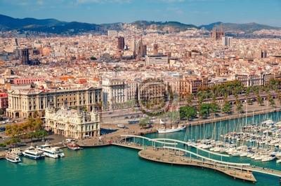 Постер Барселона Барселона  skyline, Sagrada Familia видна.Барселона<br>Постер на холсте или бумаге. Любого нужного вам размера. В раме или без. Подвес в комплекте. Трехслойная надежная упаковка. Доставим в любую точку России. Вам осталось только повесить картину на стену!<br>