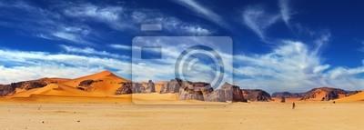 Постер Африканский пейзаж Пустыня Сахара, АлжирАфриканский пейзаж<br>Постер на холсте или бумаге. Любого нужного вам размера. В раме или без. Подвес в комплекте. Трехслойная надежная упаковка. Доставим в любую точку России. Вам осталось только повесить картину на стену!<br>