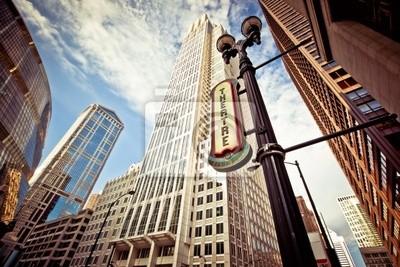 Постер Чикаго Чикаго центре города, в театральном районеЧикаго<br>Постер на холсте или бумаге. Любого нужного вам размера. В раме или без. Подвес в комплекте. Трехслойная надежная упаковка. Доставим в любую точку России. Вам осталось только повесить картину на стену!<br>