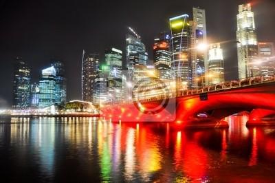 Постер Города и карты В Сингапуре skyline ночью, 30x20 см, на бумагеСингапур<br>Постер на холсте или бумаге. Любого нужного вам размера. В раме или без. Подвес в комплекте. Трехслойная надежная упаковка. Доставим в любую точку России. Вам осталось только повесить картину на стену!<br>