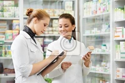 Аптека аптека женщины в аптеке, 30x20 см, на бумагеМедицина<br>Постер на холсте или бумаге. Любого нужного вам размера. В раме или без. Подвес в комплекте. Трехслойная надежная упаковка. Доставим в любую точку России. Вам осталось только повесить картину на стену!<br>