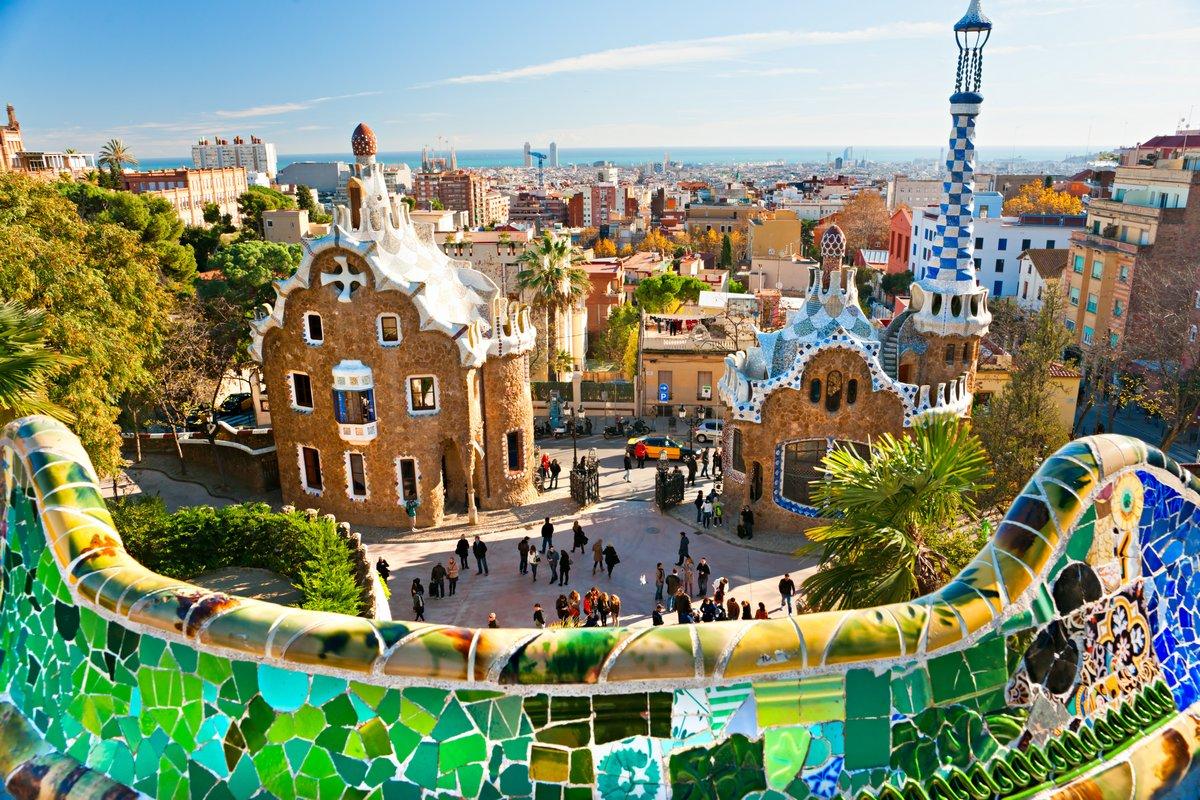 Постер Барселона Парк Гуэль в Барселоне, Испания.Барселона<br>Постер на холсте или бумаге. Любого нужного вам размера. В раме или без. Подвес в комплекте. Трехслойная надежная упаковка. Доставим в любую точку России. Вам осталось только повесить картину на стену!<br>