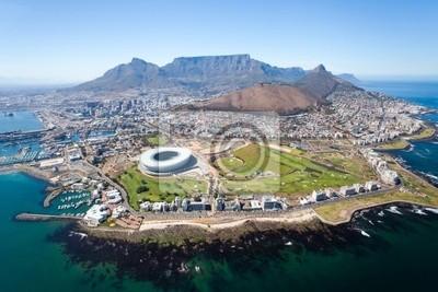 Постер Пейзаж горный Общий вид с воздуха Кейптаун, Южная АфрикаПейзаж горный<br>Постер на холсте или бумаге. Любого нужного вам размера. В раме или без. Подвес в комплекте. Трехслойная надежная упаковка. Доставим в любую точку России. Вам осталось только повесить картину на стену!<br>