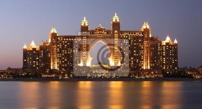 Постер Дубай Atlantis Hotel освещенные ночью, ДубайДубай<br>Постер на холсте или бумаге. Любого нужного вам размера. В раме или без. Подвес в комплекте. Трехслойная надежная упаковка. Доставим в любую точку России. Вам осталось только повесить картину на стену!<br>