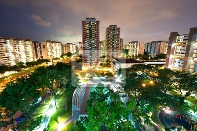 Постер Сингапур HDB жилом квартале в СингапуреСингапур<br>Постер на холсте или бумаге. Любого нужного вам размера. В раме или без. Подвес в комплекте. Трехслойная надежная упаковка. Доставим в любую точку России. Вам осталось только повесить картину на стену!<br>