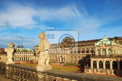 Постер Дрезден Цвингер-дворец в Дрездене, ГерманияДрезден<br>Постер на холсте или бумаге. Любого нужного вам размера. В раме или без. Подвес в комплекте. Трехслойная надежная упаковка. Доставим в любую точку России. Вам осталось только повесить картину на стену!<br>