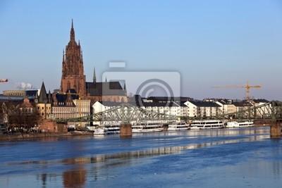 Постер Франкфурт Старый исторический мост Eiserner шагах в Франкфурт-на-Майне, Германия.Франкфурт<br>Постер на холсте или бумаге. Любого нужного вам размера. В раме или без. Подвес в комплекте. Трехслойная надежная упаковка. Доставим в любую точку России. Вам осталось только повесить картину на стену!<br>