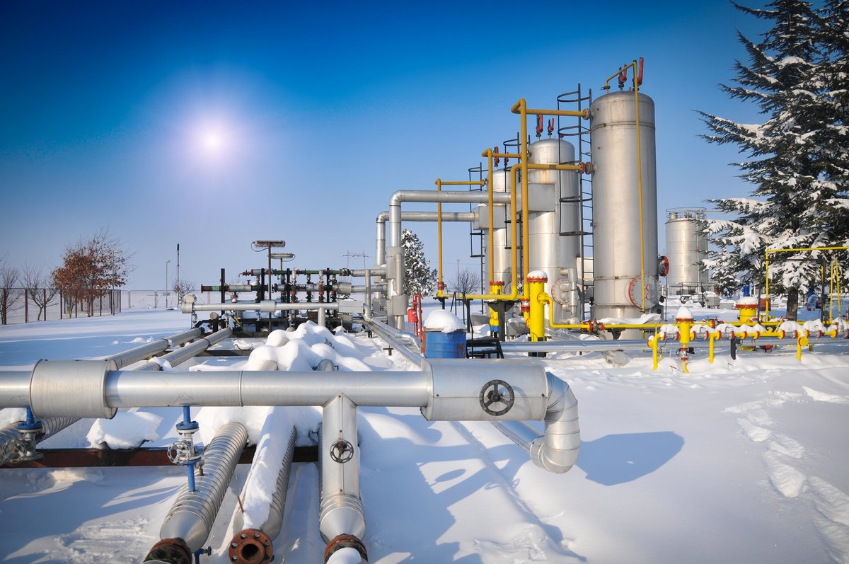 Постер Газовая промышленность Нефть и газ растений зимойГазовая промышленность<br>Постер на холсте или бумаге. Любого нужного вам размера. В раме или без. Подвес в комплекте. Трехслойная надежная упаковка. Доставим в любую точку России. Вам осталось только повесить картину на стену!<br>