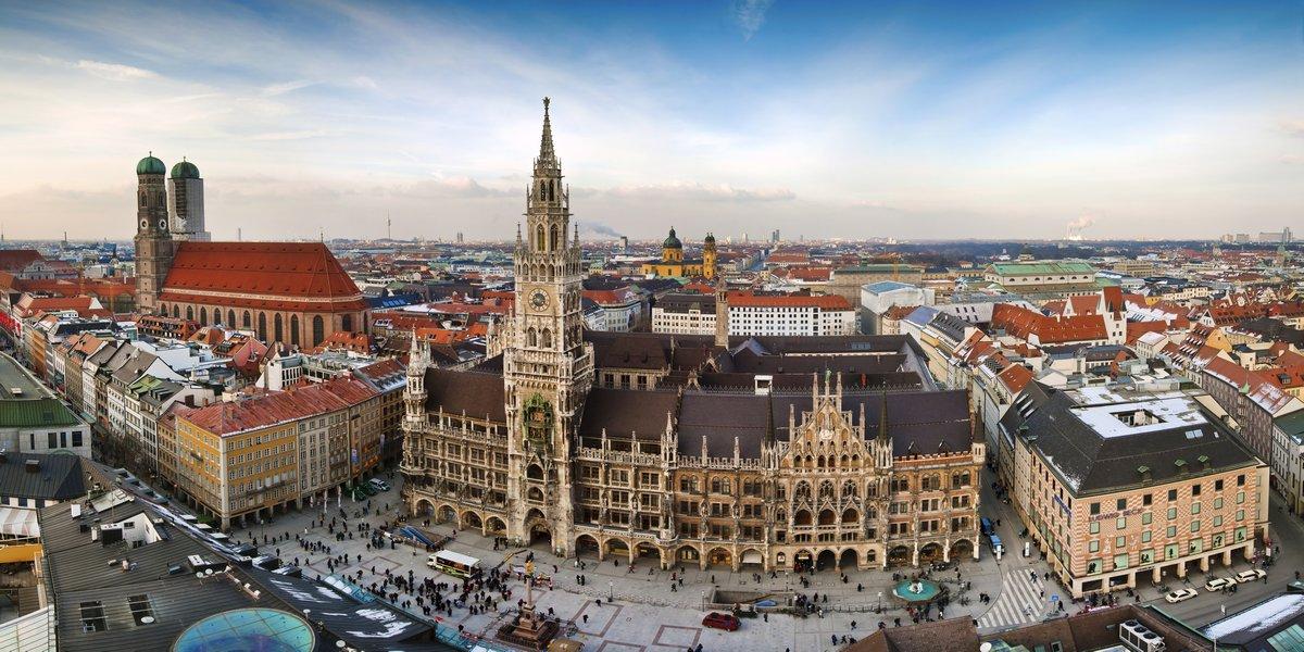 Постер Мюнхен Панорама Munchen cityМюнхен<br>Постер на холсте или бумаге. Любого нужного вам размера. В раме или без. Подвес в комплекте. Трехслойная надежная упаковка. Доставим в любую точку России. Вам осталось только повесить картину на стену!<br>